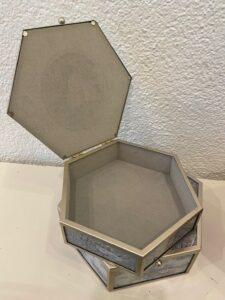 Romantická dózička na dívčí poklady, sklo, kov, 890,-